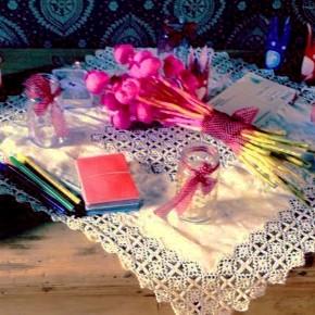 Lehetséges: lila-rózsaszín ÉS eredeti lánybúcsú
