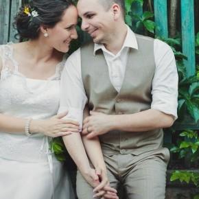 Ivett & Gábor letisztult, rusztikus-vintage menyegzője
