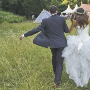 Dia és Mark erdei, csináld magad esküvője