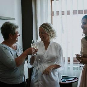 Pezsgős készülődés Erzsébet & Ármin esküvője napján